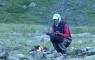L'ours se réchauffant au coin du feu